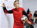 Nữ cầu thủ Stephanie Roche: 'Tôi sẽ đánh bại Van Persie và James Rodriguez'