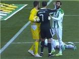 Xem lại pha bỏ bóng đánh người mà Ronaldo chỉ bị treo giò 2 trận