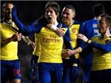 Brighton 2-3 Arsenal: Rosicky bùng nổ, Walcott và Oezil lập công ngày trở lại