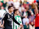 Con số bình luận: Chiếc thẻ đỏ thứ 9 trong sự nghiệp Cristiano Ronaldo