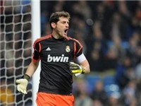 Casillas lại úp mở về khả năng ra đi