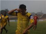 VIDEO: Em họ  Văn Quyến ghi bàn cho SLNA, ăn mừng bàn thắng kiểu 'độc'