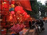 Chợ Tết phố cổ Hàng Lược ngập đèn lồng đỏ Trung Quốc
