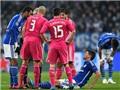 Tin vui cho Schalke: Huntelaar không bị gãy chân. Tin buồn: Khủng hoảng tiền đạo