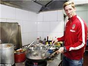 Vào bếp cùng Fernando Torres và đón Tết Ất Mùi
