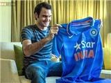 Roger Federer bị chỉ trích chỉ vì một chiếc áo
