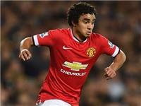 Man United: HLV Van Gaal lên kế hoạch bán Rafael da Silva và Jonny Evans