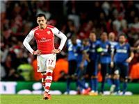 Alexis Sanchez tịt ngòi 6 trận liên tiếp: Lỗi tại Oezil và Giroud?