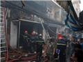 Cháy lớn thiêu rụi cửa hàng tạp hóa, 3 căn nhà xung quanh bị ảnh hưởng