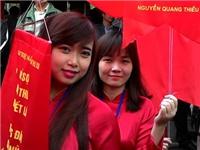 Ngày thơ Việt Nam ở Văn Miếu: 'May mà không có chuyện cướp thơ'