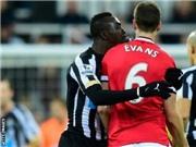 Cisse và Evans gia nhập đội ngũ 'phun mưa': Ronaldo, Totti, Rijkaard cũng thế