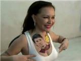 Nữ diễn viên táo bạo khoe hình xăm Messi trên ngực
