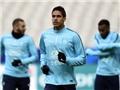 CẬP NHẬT tin tối 29/3: Mourinho muốn mua Varane bằng mọi giá. Man City sắp chi 200 triệu bảng mua sắm.