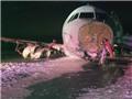 Máy bay Airbus A320 của Air Canada trượt khỏi đường băng, hàng chục người bị thương