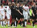 Gerrard lập cú đúp 11m trong trận đấu vinh danh sự nghiệp