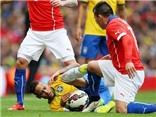 Gary Medel cáo buộc Neymar: Đây là sân bóng, không phải nhà hát