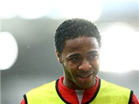 Rắc rối đàm phán hợp đồng tại Liverpool: Đừng trách Raheem Sterling!