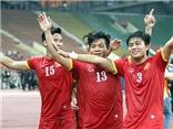 Ngọc Thắng vượt qua 3 cầu thủ Macau để ghi bàn mở tỉ số
