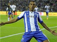 Chi 35 triệu euro, Real Madrid vượt qua Man United để chính thức sở hữu Danilo