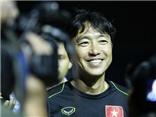 HLV Miura: 'Báo chí đừng nói nhiều về Công Phượng. Tôi cũng thích uống bia như người Việt'