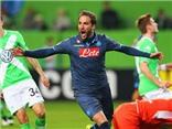 Lượt đi Tứ kết Europa League: 'Thánh Bendtner' ghi bàn, Wolfsburg vẫn thảm bại trước Napoli