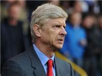 Wenger đã đúng khi nổi giận với những câu hỏi về Klopp