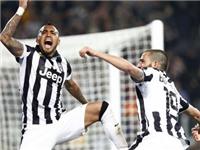 Juventus 2-0 Lazio: Tevez ghi bàn thứ 18, Juve sắp có Scudetto