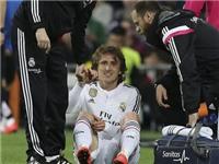 Real Madrid trả giá cho chiến thắng: Modric và Bale cùng chấn thương. Modric nghỉ 6 tuần