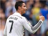 VIDEO: Cristiano Ronaldo thực hiện cú xỏ háng để đời trước Malaga