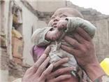 Video động đất ở Nepal: Cứu sống bé 4 tháng tuổi từ đống đổ nát