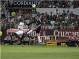 Ghi 2 bàn trong 2 phút, hạ Sevilla bằng 1 hat-trick, Ronaldo lại vượt Messi