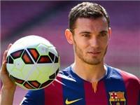 Vermaelen bị chế giễu khi sắp đá trận ra mắt Barca