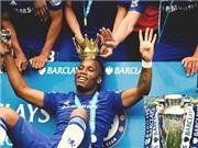 CHÙM ẢNH: Drogba được Mourinho trao 'vương miện' trong ngày Chelsea đăng quang Premier League