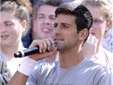 Novak Djokovic trổ tài hát beatbox