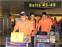 U23 Việt Nam bị bỏ rơi ngay ở sân bay Changi