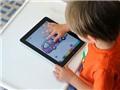 Trẻ em dùng ipad, smartphone - cấm, hạn chế hay thoải mái?