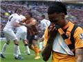 Đấm Phil Jones, cầu thủ của Hull City bị treo giò 3 trận