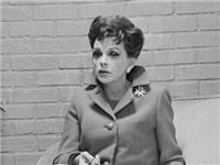 Ngôi sao thập niên 1960 trở thành 'Nữ hoàng bi kịch' vì rượu và ma túy