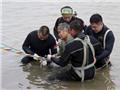 VIDEO: Trung Quốc huy động hàng nghìn người cứu hộ chìm tàu trên sông Dương Tử