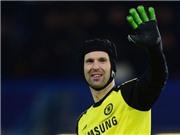 PSG sẽ 'hớt tay trên' Petr Cech từ Arsenal?