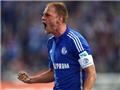 Arsenal và Milan bị hậu vệ Schalke từ chối