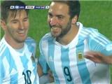 Higuain ghi bàn ấn định thắng lợi 6-1 của Argentina trước Paraguay