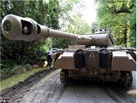 Phát hiện xe tăng 45 tấn, pháo phòng không 'khủng' trong nhà cụ ông 70 tuổi