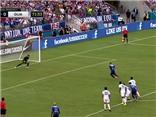 Clint Dempsey ghi bàn bằng cú Panelka vào lưới Guatemala