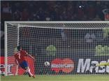 VIDEO: Argentina đá penalty tệ hại, Alexis Sanchez 'xúc thìa' giúp Chile vô địch