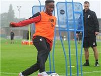 Sterling từ chối du đấu với Liverpool, đòi tới Man City