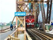Cầu Long Biên hơn trăm tuổi đang được 'tiếp sức'