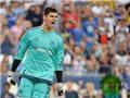 PSG 1-1 Chelsea (pen: 5-6): Ibra nổ súng, Falcao ra mắt, Courtois là người hùng