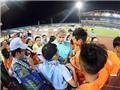 CĐV nước ngoài chỉ trích 'trò hề' của fan Việt