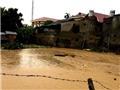 Mưa lũ tại Điện Biên: Hồ nuôi cá trái phép vỡ, biến thị trấn thành sông